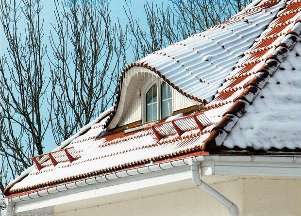 Крыша под снегом