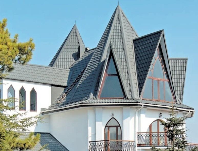 Ломаная крыша из металлочерепицы