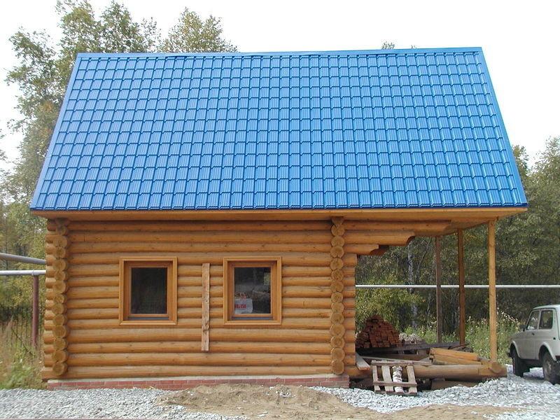 Дом с крышой из черепицы