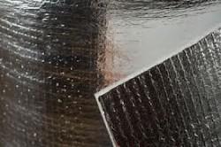 Фольгированный утеплитель идеально подходит для утепления пола, бани и мансарды.