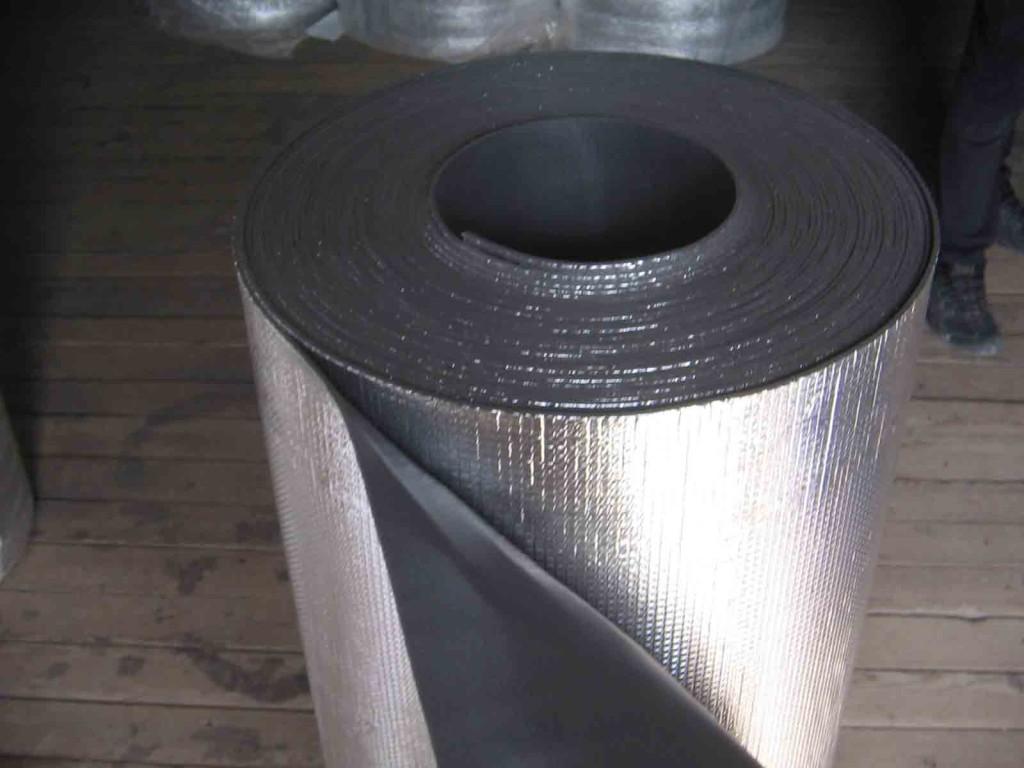 Фольгированный утеплитель используется для гидроизоляции, шумоизоляции и теплоизояции фасадов, кровли, стен, пола, потолка, саун, бань, перегородок, трубопроводов.